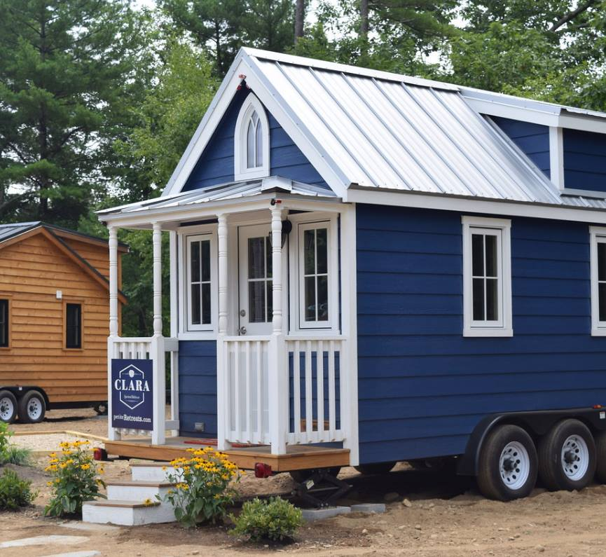 Fabulous Tuxbury Tiny House Hotel Allows Nightly Rentals New Hampshire Home Interior And Landscaping Oversignezvosmurscom