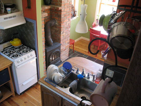 Inside Ben And Sabrinas Enesti Tumbleweed Houses - B53 tumbleweed house