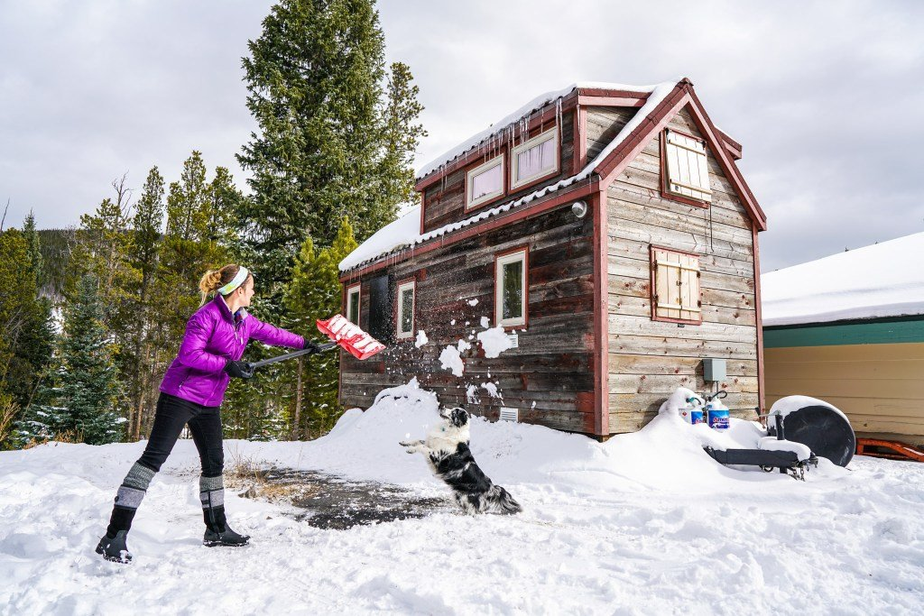 Tiny House Design for a Cold Climate, Tips and Tricks on insulation for hot climates, home designs for hot climates, landscape for hot climates,