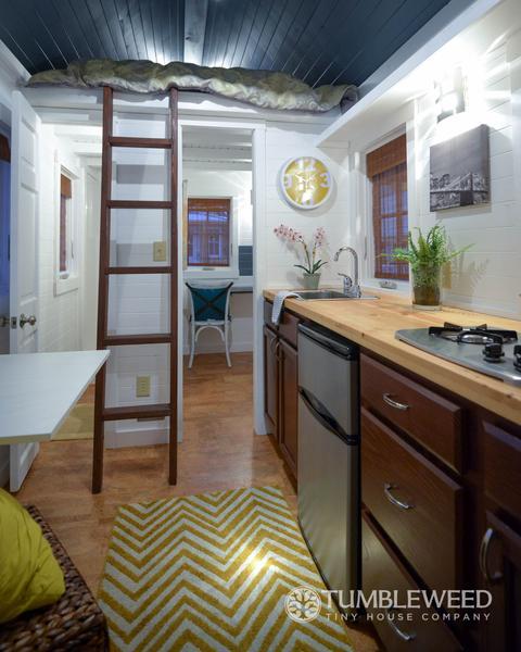 tiny house fridge. Photo Tiny House Fridge U