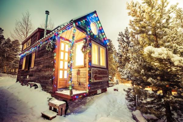 Christmas Decor for Tiny House RVs - Tumbleweed Houses