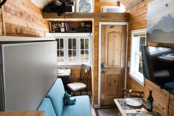 Having Strong Knowledge Of The Construction Process Ryan Built Solo And Was Able To Finish His Tiny House RV In Just Four Months Despite Weather