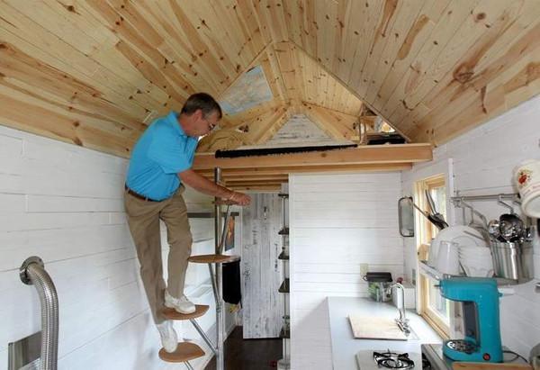 5 Creative Staircase Ideas for Tiny House RVs Tumbleweed Houses
